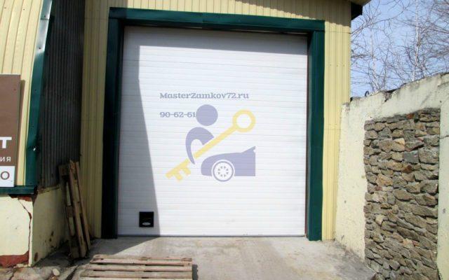Вскрытие гаража в Тюмени